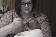 Coulage de la porcelaine à la cuillère